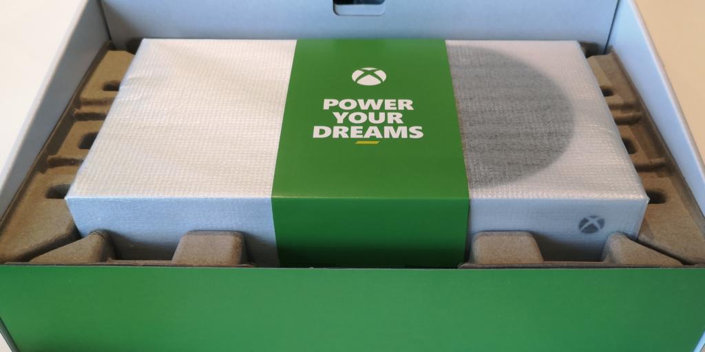 Unboxing_XboxSeriesS_1