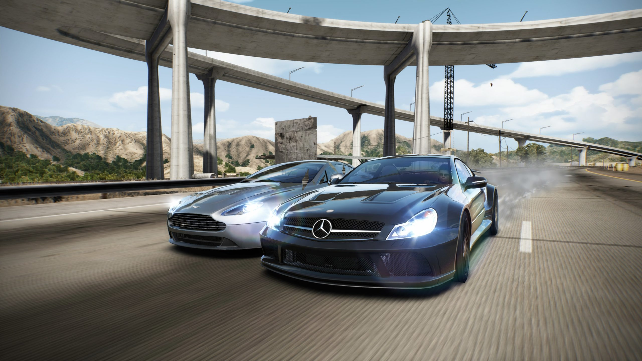 Need-For-Speed-Hot-Pursuit-Remastered-Duel-Aston-Martin-Mercedes-Benz-SL-65-AMG