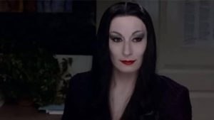 Morticia-Angelica-Huston